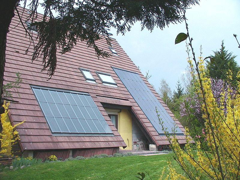 Panneaux solaires - Maison - Énergie renouvelable - Électricité - Écologie - SchoolMouv - Géographie - CM1