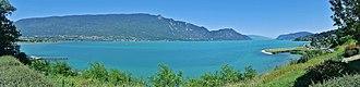 Savoie - Image: Panorama Lac du Bourget turquoise en 2018
