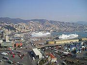 Panorma di Genova (porto).jpg