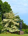 Park Villa Hügel Denkmal 2.jpg
