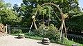 Pegli, parc Durazzo Pallavicini, balançoire chinoise.jpg