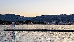 Petite rade Toulon vue de Saint-Mandrier-sur-Mer.jpg