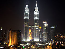 Petronas Towers nocą