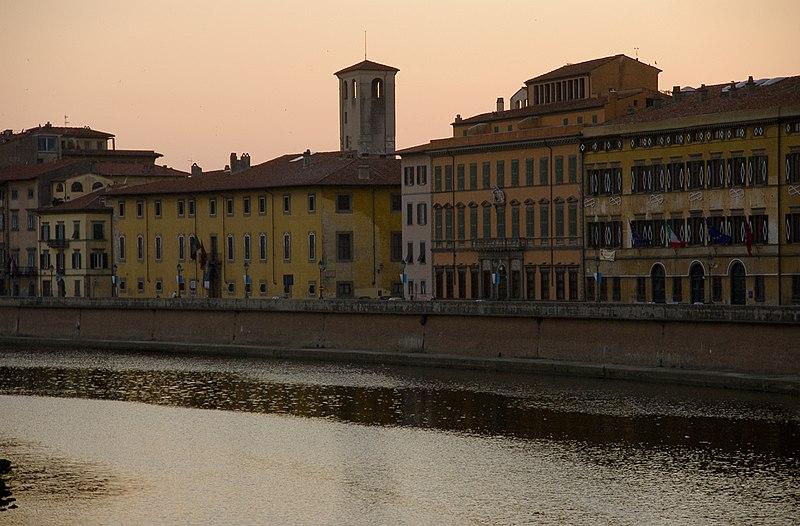 File:Pisa-lungarno02.jpg