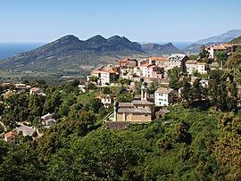 La eklezio de San Cervone kaj la ĉirkaŭaj konstruaĵoj, en Poggio-d'Oletta