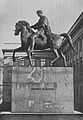 Pomnik sięcia Józefa Poniatowskiego przed pałacem Saskim.jpg