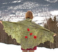 Nuno felting example: a shawl with poppies
