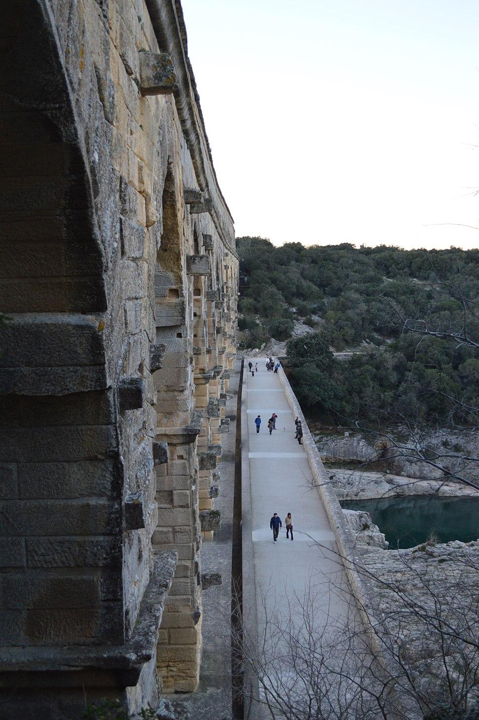 Pont du Gard Scale
