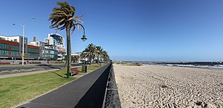 Port Melbourne By Donaldytong (Own work) [GFDL (http://www.gnu.org/copyleft/fdl.html), CC-BY-SA-3.0 (http://creativecommons.org/licenses/by-sa/3.0/) or CC-BY-SA-2.5 (http://creativecommons.org/licenses/by-sa/2.5)], via Wikimedia Commons