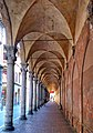 Portico via Zamboni..... Chiesa San Giacomo.jpg
