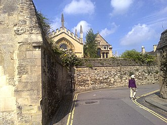 Queen's Lane - Image: Queens Lane turning into New College Lane Oxford