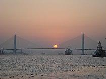 Queshi Bridge in Shantou.jpg