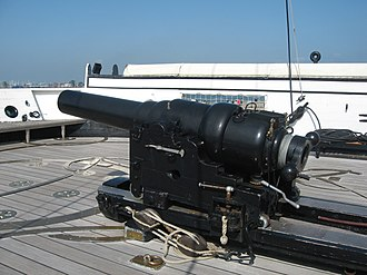 HMS Warrior (1860) - One of the replica 110-pounder breech-loaders on the restored Warrior