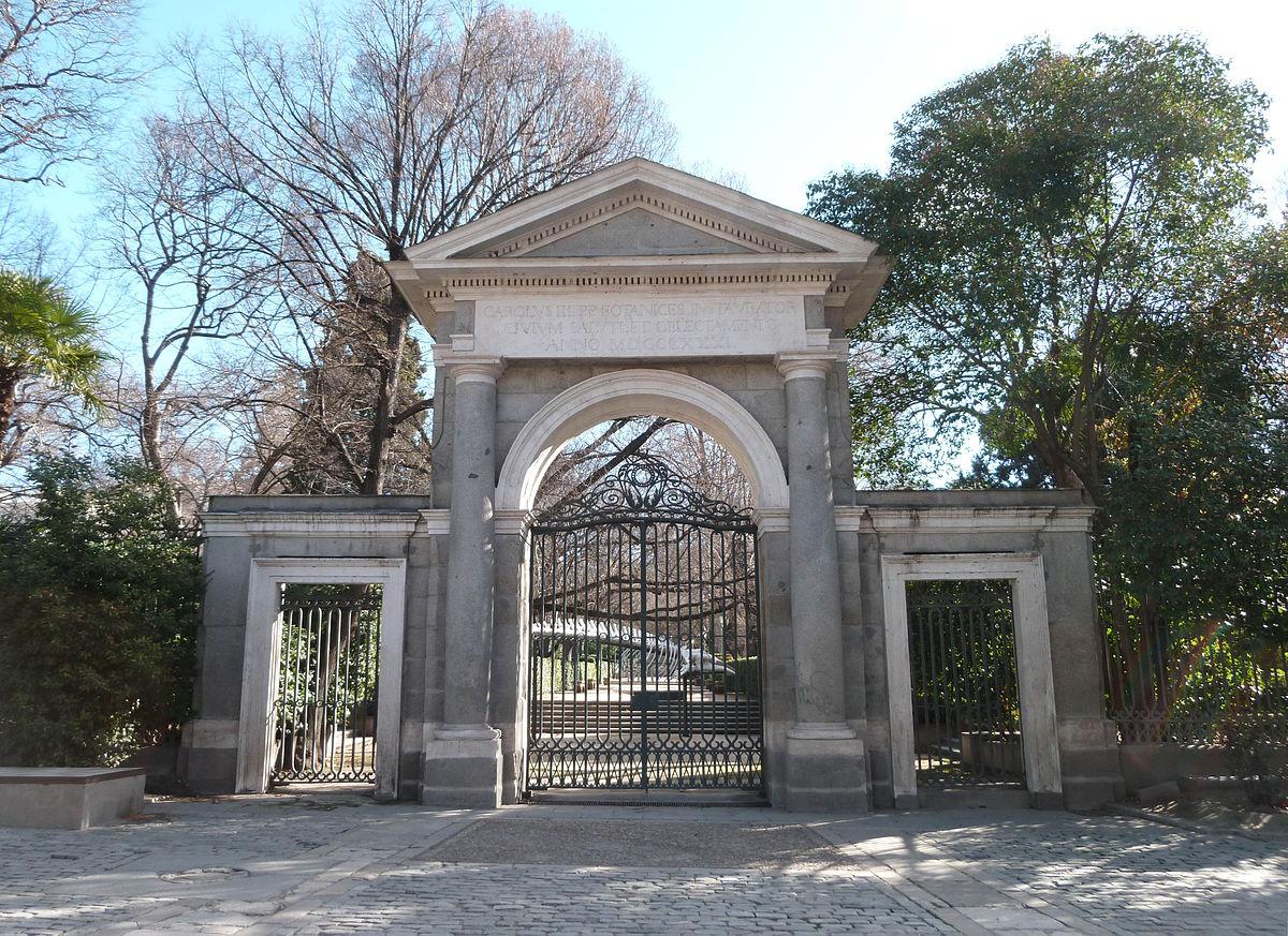 Puerta real madrid wikipedia la enciclopedia libre for Edificio puerta real madrid