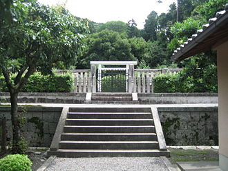 Emperor Reizei - The tomb of Emperor Reizei, Kyoto (front view)
