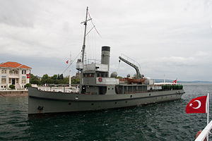 "Replica of the Turkish minelayer ""Nusret"".jpg"