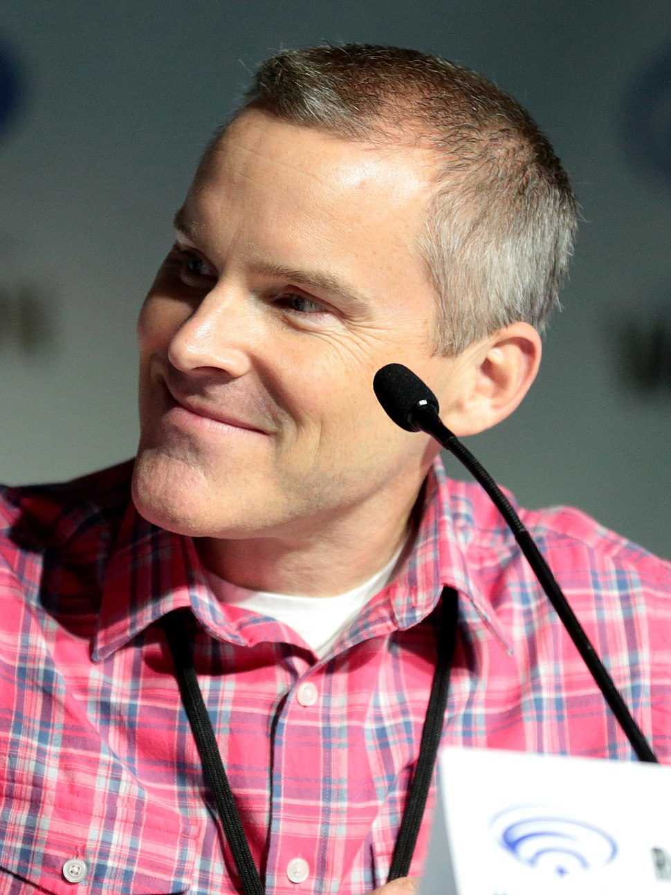 Roger Craig Smith by Gage Skidmore