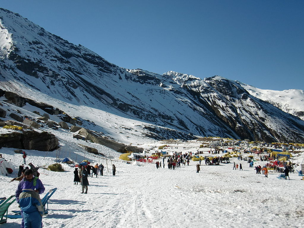 Rohtang Pass Tour Package