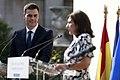 Sánchez se reúne con la alcaldesa de París 04.jpg