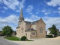 Saint-Gaudent 86 Église vue SE 2013.jpg