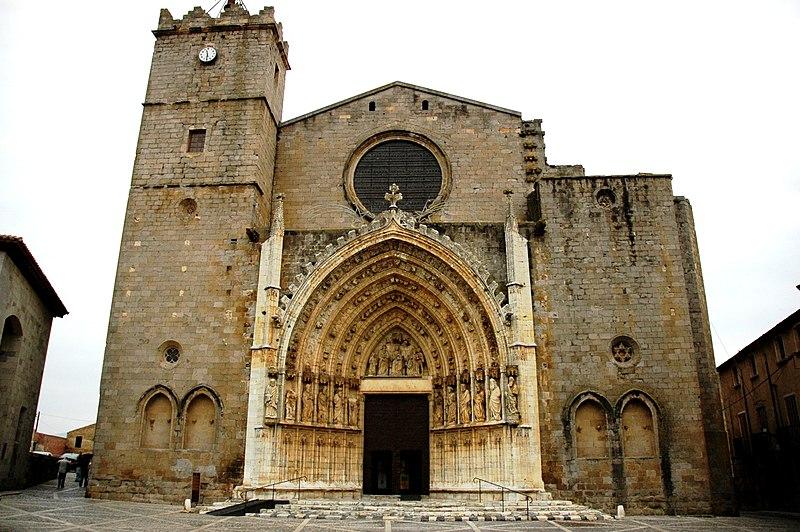 File:Santa Maria de Castelló d'Empúries - Façana.JPG