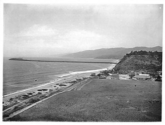 Long Wharf (Santa Monica) - Santa Monica Canyon and Long Wharf of Port of Los Angeles, ca.1900