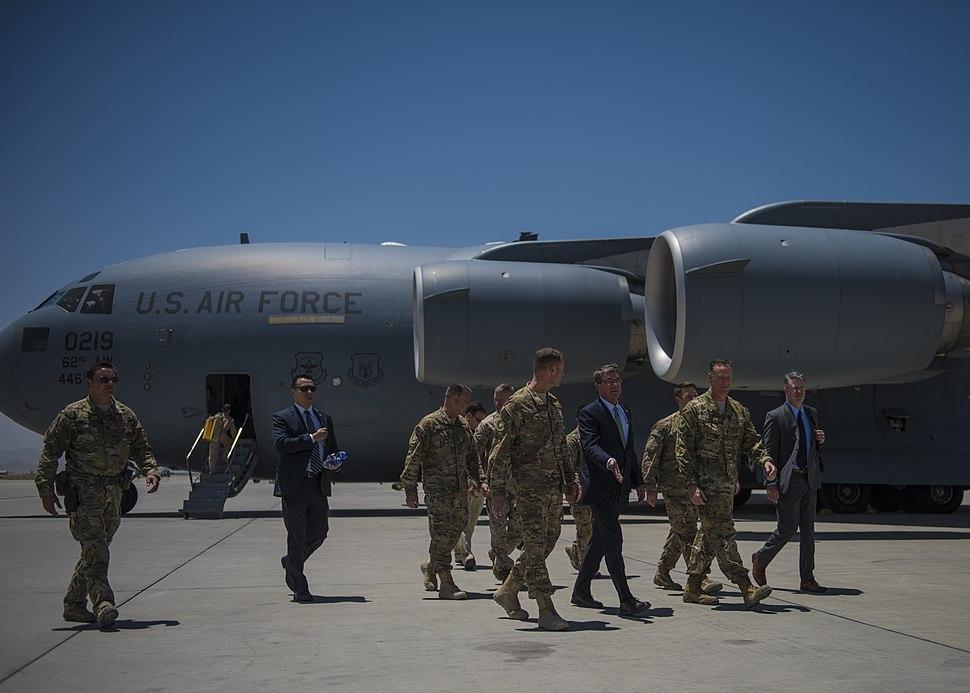 Secretary of Defense Ashton Carter visits Bagram servicemembers 160712-F-RN544-118