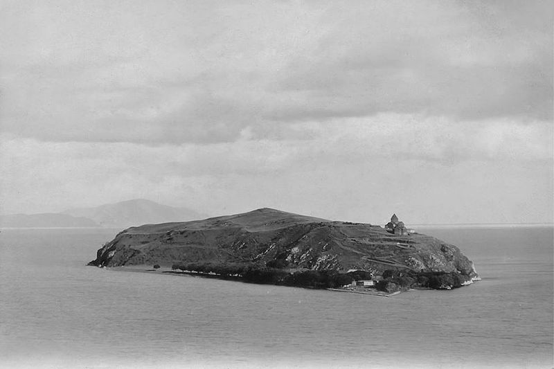 [Image: 800px-Sevan_Island2.jpg]