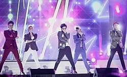 Shinee at the 2015 Korea Music Festival in Sokcho 02.jpg
