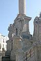 Sloup se sousoším Nejsvětější Trojice naKrakonošově náměstí v Trutnově 07.JPG