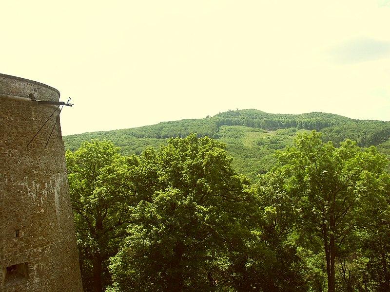 Dosiero:Slovakia Cerveny kamen Castle 3.JPG