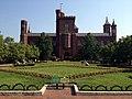 Smithsonian-castle-haupt-garden.jpg