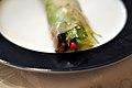 Sommerrulle med oksekød og grøntsager (5589308851).jpg
