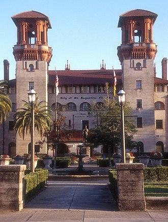 Lightner Museum - The Lightner Museum, originally the Alcazar Hotel, with a statue of Pedro Menéndez de Avilés on the ground.