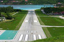 St Barts repülőtéri kifutópálya Coleman.jpg