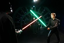 Luke Skywalkeri ja Darth Vaderi duell Palpatinei troonisaalis