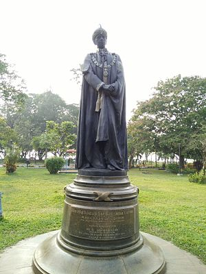 Rama Varma XV - Statue of Rama Varma XV  at Subhash Park Ernakulam