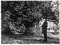 Stauffer-Bern Gustav Freytag in seinem Garten zu Siebleben final 1887.jpeg