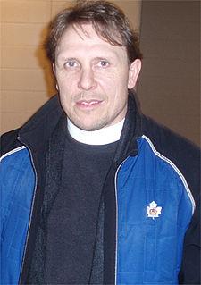 Steve Thomas (ice hockey) English-born Canadian ice hockey player