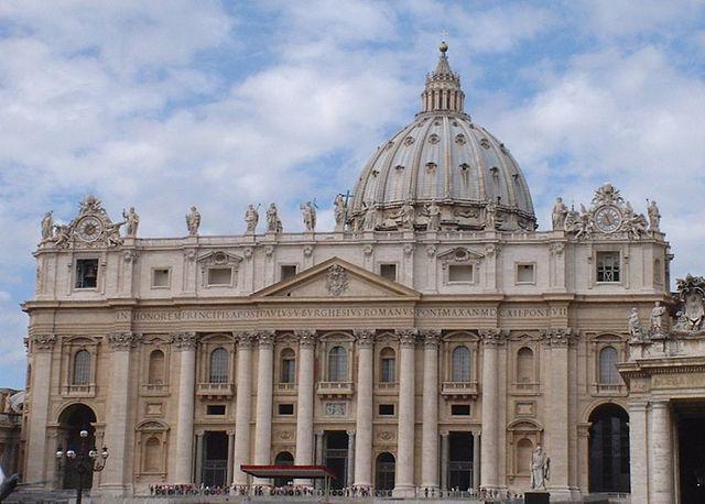 Собор Святого Петра в Ватикане, построенный над предполагаемой могилой апостола Петра