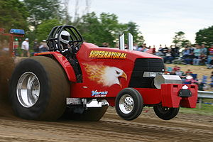 Tractor pulling - Super Stock class Tractor, Fonda, New York