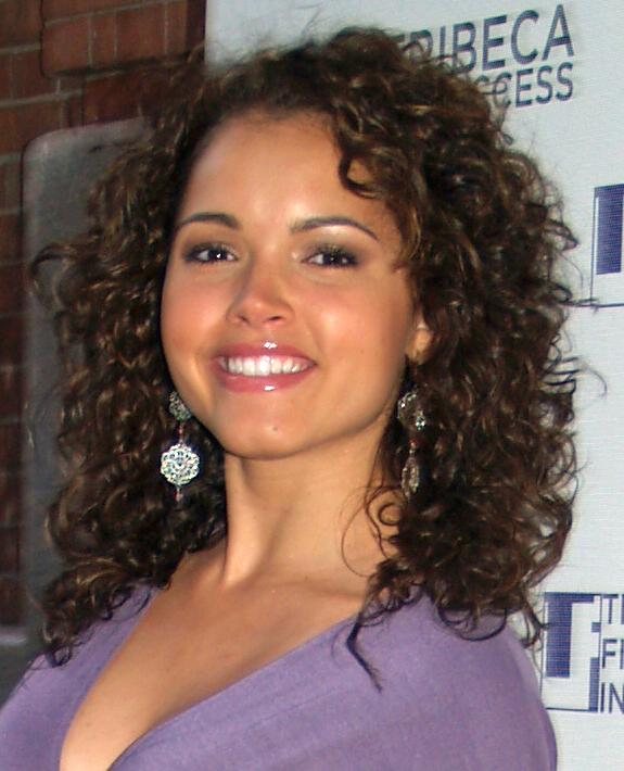 Susie Castillo headshot 2
