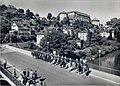 Tübinger Stadtgarde zu Pferd auf der Alleenbrücke (AK 541U31 Gebr. Metz 1953).jpg