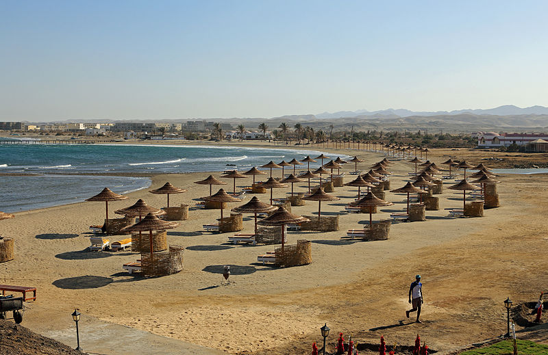 جولة سياحية في مصر 800px-TTC_Equinox_Beach_R05
