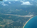 Thailand-Aerial-view-of-Phuket-International-Airport-Apr-2003-01.jpg