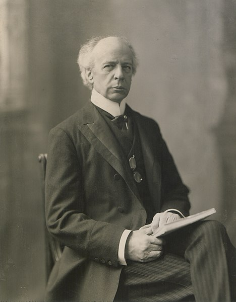 Fichier:The Honourable Sir Wilfrid Laurier Photo A (HS85-10-16871) cropped.jpg