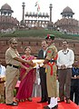 The Minister of State for Defence, Dr. Subhash Ramrao Bhamre presented the mementos to the NCC Cadets, during the Independence Day Celebrations - 2017 rehearsals, at Red Fort, in Delhi on August 11, 2017.jpg