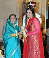 The President, Smt. Pratibha Devisingh Patil presenting the Padma Shri award to Ms. Tabu, at an Investiture Ceremony, at Rashtrapati Bhavan, in New Delhi on March 24, 2011.jpg