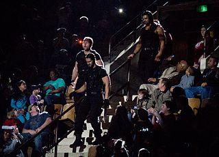 Resultados Show#17 de RAW (San Francisco, California) 320px-The_Shield_Entrance