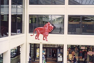 Lion Yard - The former Red Lion statue